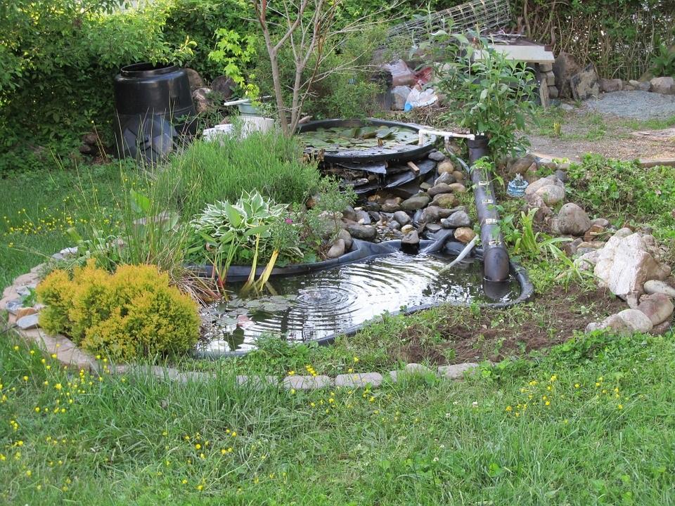 Postavte si zahradní jezírko svépomocí