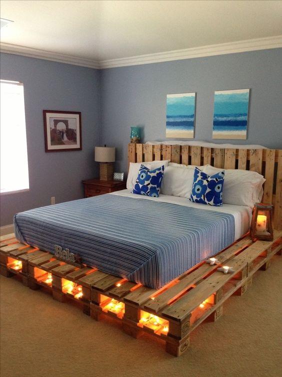 13 inspirací pro postel z palet
