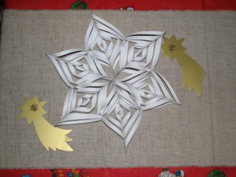 Vánoční hvězda z papíru – Jednoduché návody