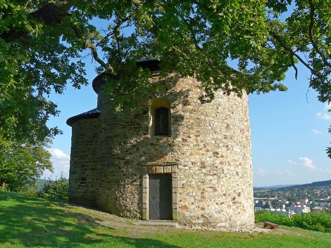Nejstarší stavba v ČR – Rotunda sv. Petra a Pavla