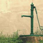 Jak postavit svépomocí vlastní studnu? A vyplatí se?