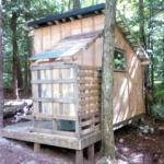 Zahradní sprcha osvěží pobyt na zahradě v parných dnech